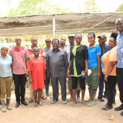 INBAR Director General Takes Group Picture With INBAR Workers